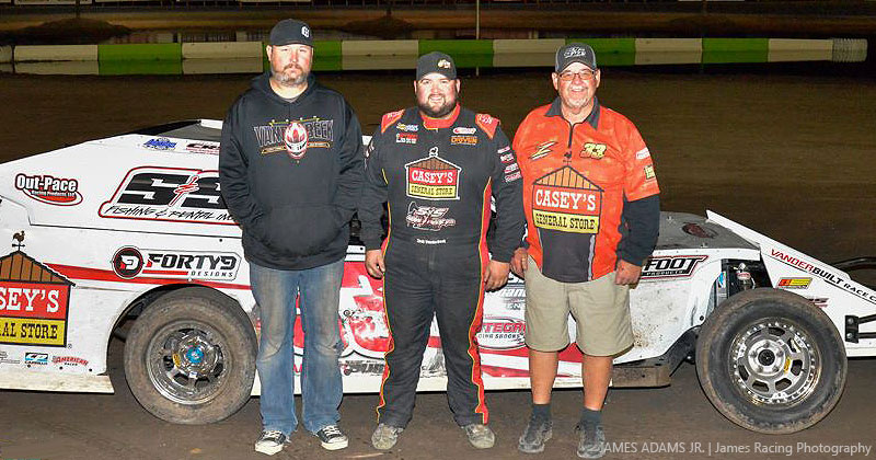 VanderBeek returns to Southern New Mexico Speedway winner's circle