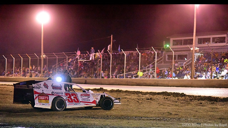 VanderBeek sidelined, finishes 14th at King of America IX