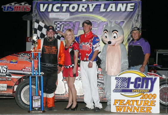 Zack triumphs in USMTS debut at Tri-City Speedway