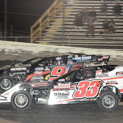 Racing with Joe Duvall at the season opener for the USMTS at the South Texas Speedway in Corpus Christi on Feb. 7, 2014. (Ron Skinner Photo)